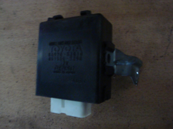 Блок электронный 8597053010 RELAY ASSY, DOOR OPENING lexus is300/altezza